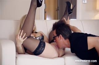 Зрелищное секс видео с опытными красивыми девушками №2429 4