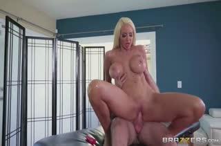 Девушку раскрутили на порно вместо сеанса массажа №3698 4