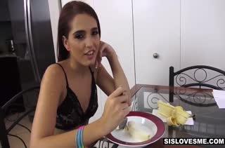 Парочка снимает любительское порно от первого лица №2066 1
