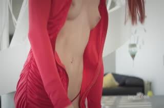 Рыженькая красавица извивается от пениса в дырке №2189