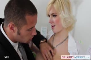 Сочный секс с фигуристыми секретутками в офисе №2934